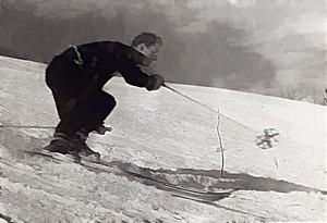 JLBJR-Skiing